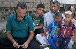 حملة عراقية جديدة لمساعدة الفقراء النازحين جراء أفعال داعش