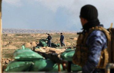 غارات على أهداف لداعش ترهق مصادر تمويله