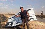 الصحافيون يخاطرون بكل شيء لتغطية أخبار داعش في شمال سوريا