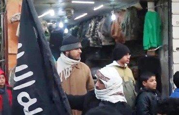 Al-Raqa merchants on brink of financial ruin