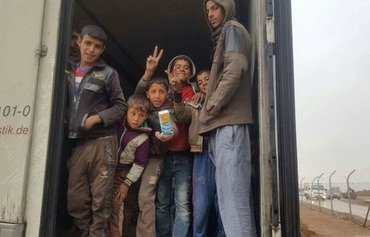 Mosul residents display solidarity under stress