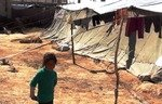 نهوهیهك له منداڵانی سوریا برینداری دهستی جهنگن
