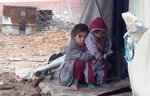 سكان الغوطة الشرقية يعانون تحت الحصار
