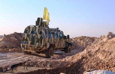 Di demekê de ku QSD pêş dikeve, DAIŞ xelkê Reqa dorpêç dike