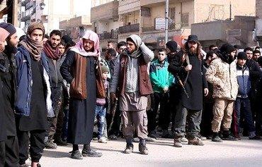 دووبهرهكی و ناكۆكییه نهتهوهییهكان داعش هەراساندەکهن لە رەققە