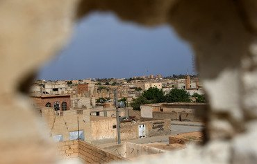القوات العربية-الكردية تحرر مدينة الطبقة من داعش