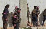 اشتباكات بين فصائل المعارضة في مدينة الباب في سوريا