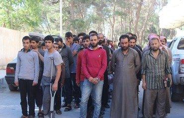 قوات سوريا الديموقراطية تطلق سراح موقوفين من منبج والطبقة كبادرة حسن نية
