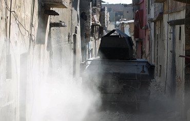 تسلیم شدن دهها تن از جنگجویان داعش در شهر قدیمی موصل