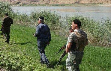 القوات العراقية تقاتل لطرد داعش من قرية 'إمام غربي'