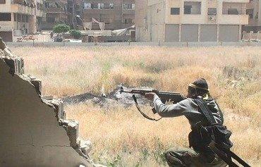 Deach s'en prend à Tahrir al-Sham dans le camp de Yarmouk