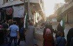 هيئة تحرير الشام تلاحق نساء شاركن في تظاهرات بإدلب في سوريا