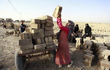 عودة نساء الأنبار لقوة العمل بعد طرد داعش