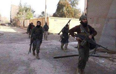 Des hommes armés attaquent un point de contrôle de l'EIIS à Deir Ezzor