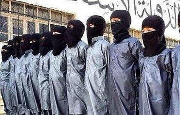 داعش تعيد جثث الأطفال المجندين إلى عائلات دير الزور