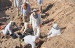 العثور على مقابر جماعية لسجناء سجن بادوش أعدمتهم داعش