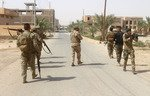 القوّات العراقية تنقذ عائلات محاصرة في القائم