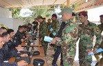العراق يعيد رجال الشرطة المفصولين إلى الخدمة