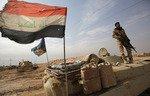 Iraq şervanên êlên Enbarê tevlî polîs dike