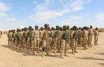 رزمندگان عشایر عراقی به گروه های کوچک داعش در بیابان های البغدادی حمله می کنند
