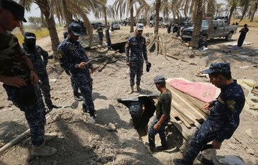 Iraqi army hunts for ISIS tunnels in Anbar