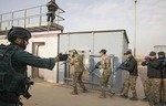 تقویت مهارتهای رزمی نیروی گشتی مرزی عراق
