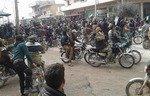 Protestovanên gundewarê Idlibê serdestiya Tehrîr el-Şam red dikin