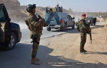 مقتل 4 انتحاريين من داعش وشرطيين في هجوم في حديثة