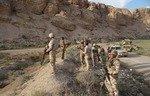 نیروهای عراقی 6 ستیزه جوی داعش را در یک غار بیابانی به قتل رساندند