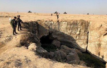 القوات العراقية تقتل 10 من مسلحي داعش في كهف بالموصل