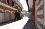 Les habitants et les autorités de Mossoul restaurent les marchés de la ville