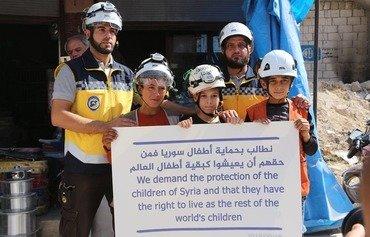 اعتراض کلاه سفیدهای سوریه به حملات رژیم و روسیه