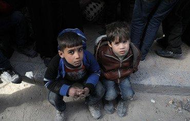 Les syriens des anciennes zones de l'opposition en difficulté après que les groupes d'aide ont perdu l'autorisation du régime