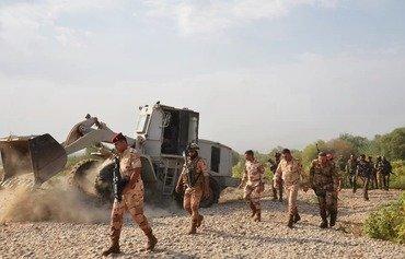 القوات العراقية تحرق 25 مضافة لداعش في ديالى