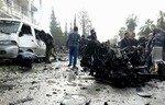 طفل بين ضحايا تفجير في وسط إدلب