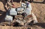 نیروهای عراقی ذخایر مواد شیمیایی داعش را نابود کردند