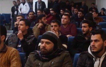 Manifestation des étudiants à Idlib contre le renvoi de professeurs opposés à Tahrir al-Sham