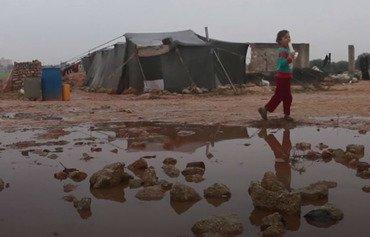 أمطار غزيرة تغرق مخيمات النزوح في إدلب