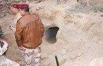 Hêzên Îraqî toreke tunelên DAIŞê yên derbasî Sûrîyayê dibin wêran dikin