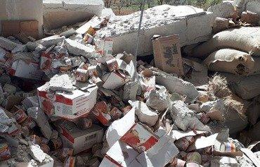 Des militants découvrent un stock de matériel humanitaire de Tahrir al-Sham