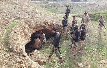 فلول داعش يعانون بعد هزيمة التنظيم