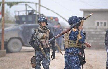 الشرطة العراقية تدمر عبوات ناسفة ومواقع لداعش في الحويجة