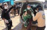 سوريون يطالبون بمحاسبة النظام لارتكابه جرائم حرب
