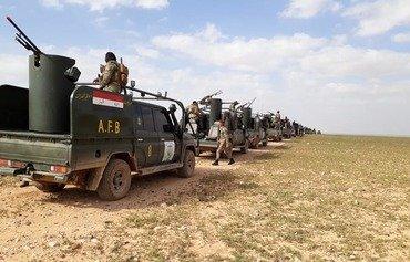 القوات العراقية وقوات التحالف تستهدف كهفًا لداعش في صحراء الأنبار