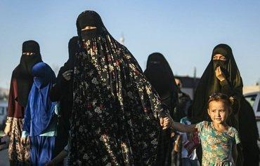 مخاوف من انتشار الفكر المتطرف داخل مخيمات اعتقال مخصصة لعناصر داعش