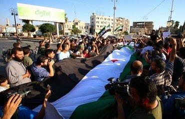 Les habitants de Khan Sheikhun protestent contre l'arrivée du régime