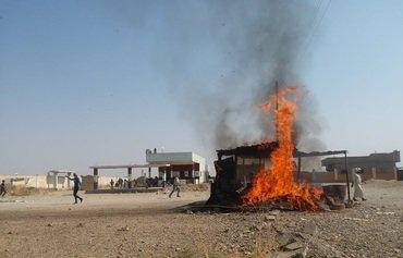 Deir Ezzor protesters denounce regime, IRGC