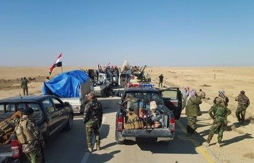 Iraq-Syria border towns under tight ISIL siege