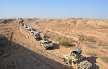Iraqi forces pursue ISIS pockets in Anbar desert