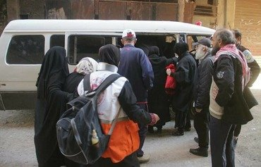 ISIS tightens grip on sections of Yarmouk camp